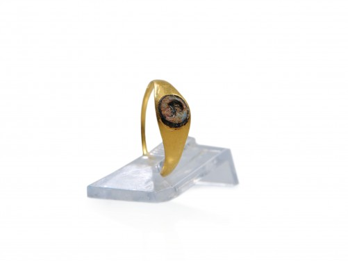 A Roman Gold and Glass Child Ring