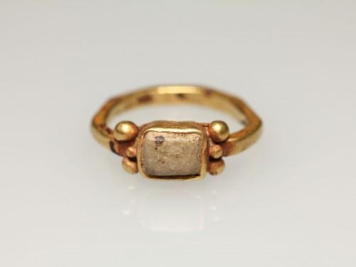 Samaritan Gold-Faience Finger Ring