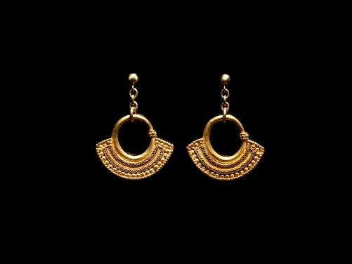 Wearable South Arabian Gold Earrings