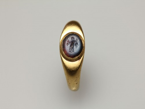 Roman Gold Finger Ring