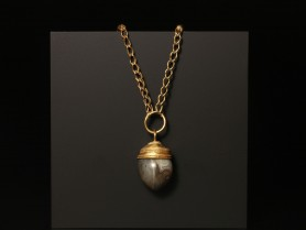 Phoenician Necklace with Agate Pendant