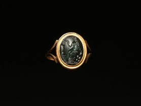 Ring with Roman Intaglio of Aphrodite