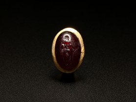 Roman Gold and Garnet Ring of Aphrodite
